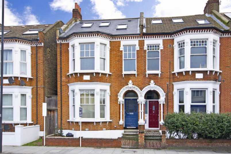 Flat/apartment to rent in Tooting - Tooting Bec Road, London, SW17