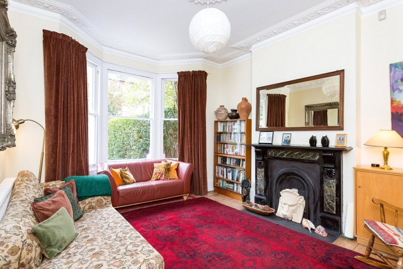 House for sale in Kentish Town - St. Georges Avenue, London, N7