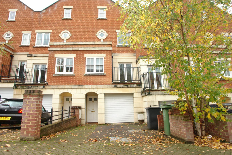 House to rent in Forest Hill - Church View, Sunderland Road, London, SE23