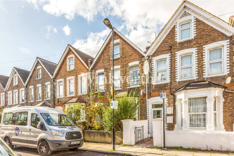 Flat/apartment for sale in Harringay - Baronet Road, London, N17