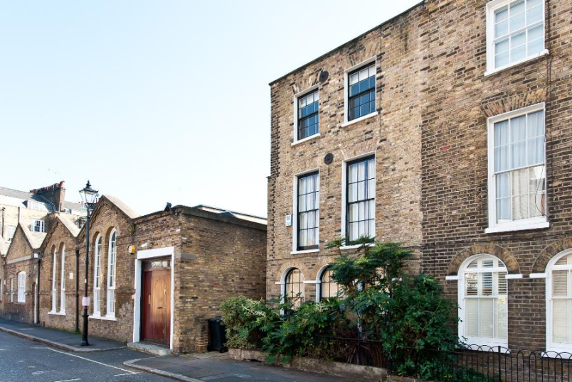 House - terraced to rent in Kennington - MONTFORD PLACE, SE11