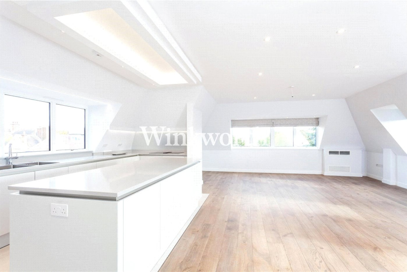 Flat/apartment to rent in Golders Green - White Lodge, The Vale, London, NW11