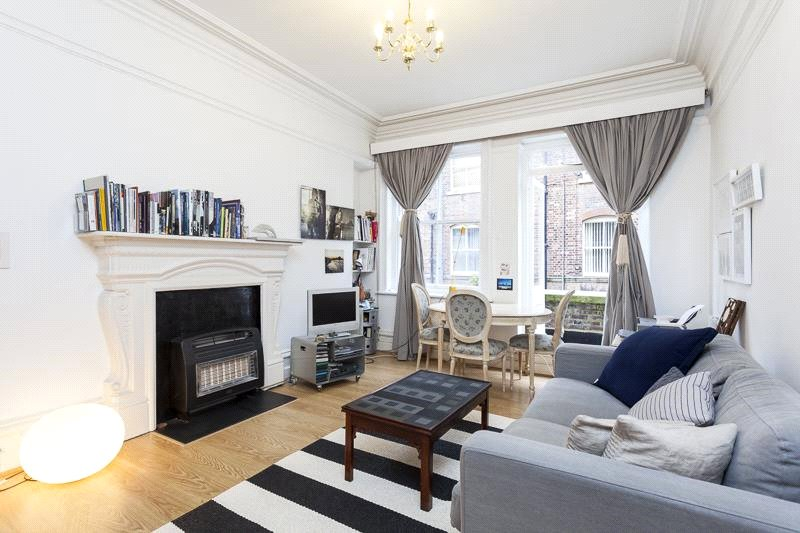 Flat/apartment to rent in Clerkenwell & City - Bedford Court Mansions, Bedford Avenue, Bloomsbury, WC1B