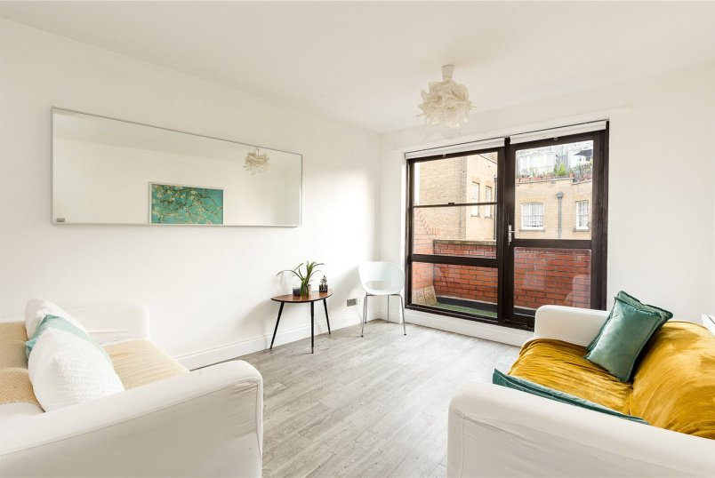 Flat/apartment for sale in West End - Old Compton Street, Soho, London, W1D