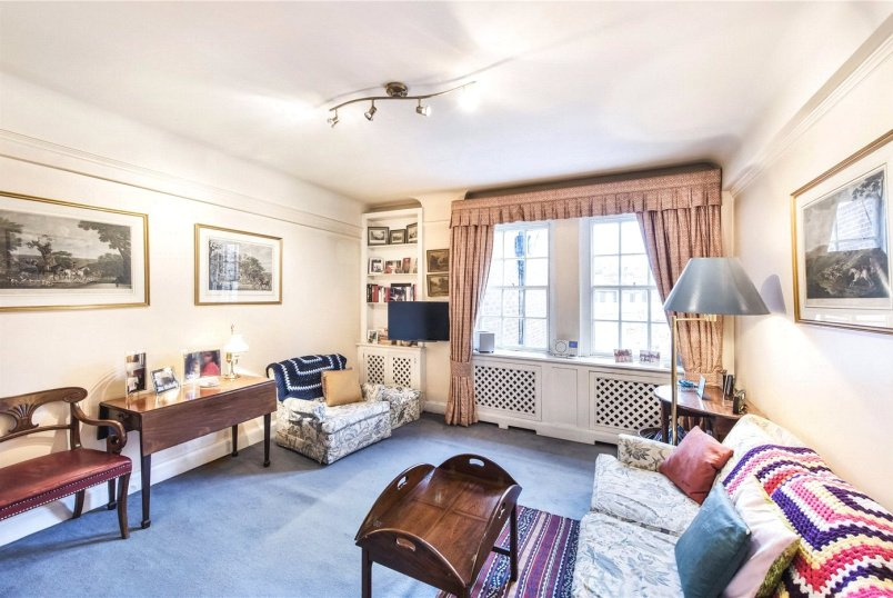 Flat/apartment for sale in Knightsbridge & Chelsea - Pelham Court, 145 Fulham Road, London, SW3