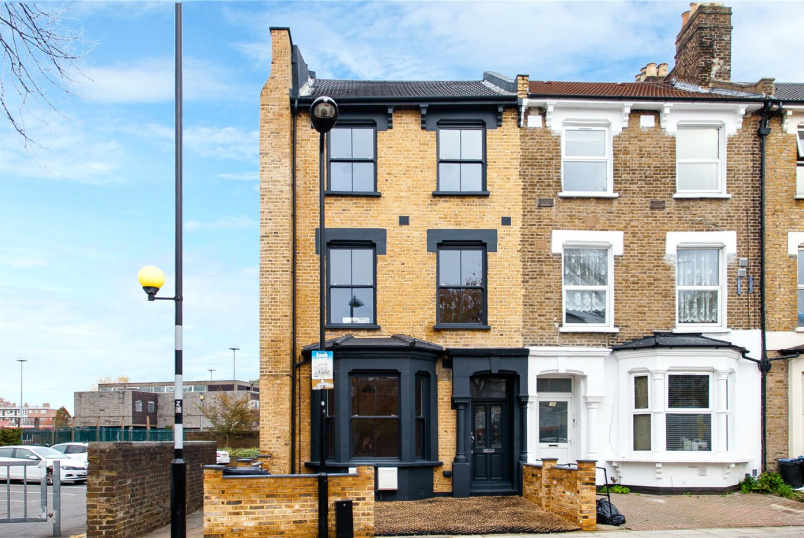 Flat/apartment for sale in Hackney - Powell Road, London, E5