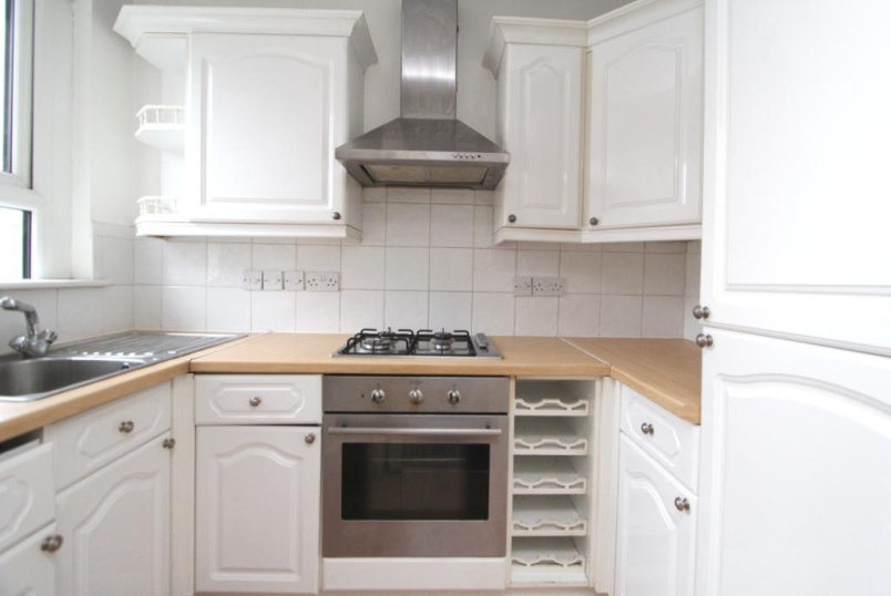 Flat/apartment to rent in Ealing & Acton - Stuart Road, Acton, W3