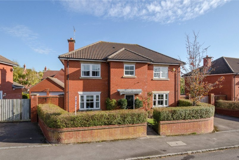 House for sale in Devizes - Alan Cobham Road, Devizes, Wiltshire, SN10
