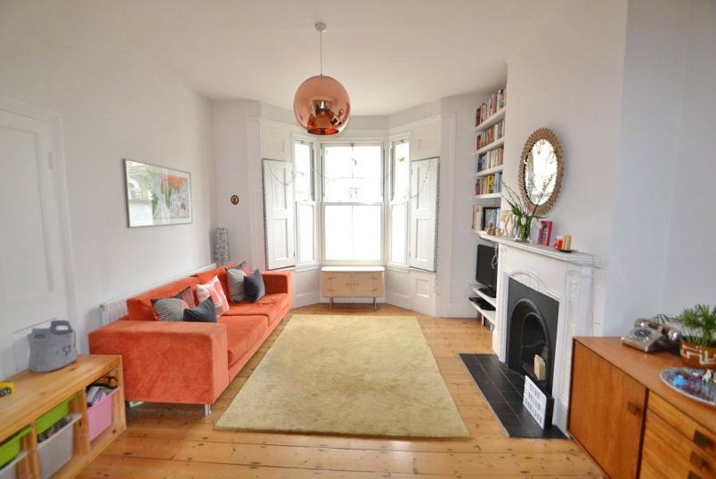 House for sale in Kentish Town - Kiver Road, Archway, London, N19