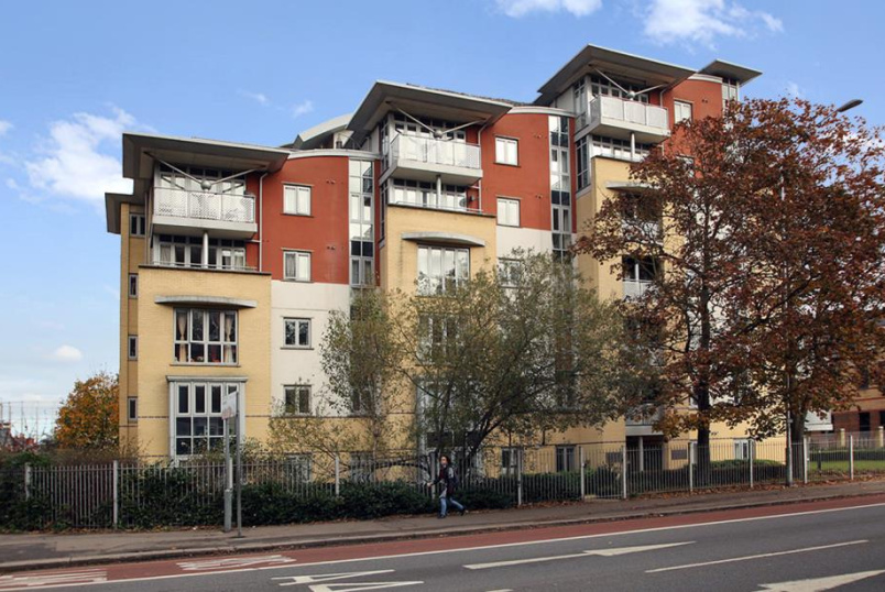 Flat/apartment to rent in Reading - The Pinnacle, Kings Road, Reading, RG1