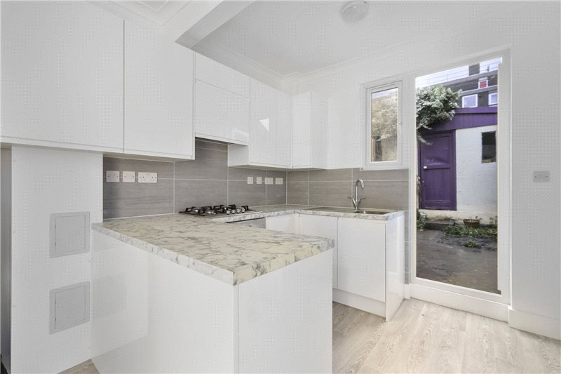 Maisonette to rent in Shepherds Bush & Acton - Collingbourne Road, Shepherds Bush, W12