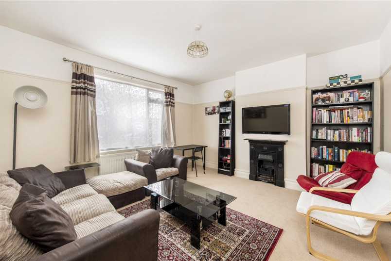 House to rent in Streatham - Semley Road, Norbury, London, SW16