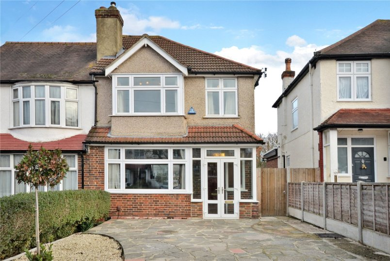 House for sale in Worcester Park - Bridgewood Road, Worcester Park, KT4