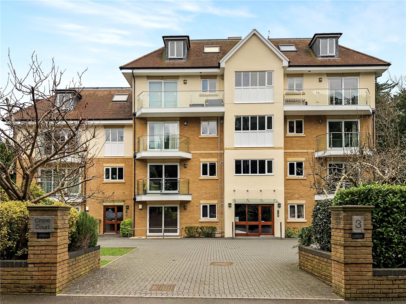 2 Bedroom Flat Apartment In Bournemouth