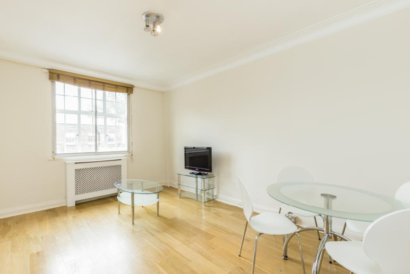 Flat/apartment to rent in Paddington & Bayswater - Wigmore Court, Wigmore Street, London, W1U