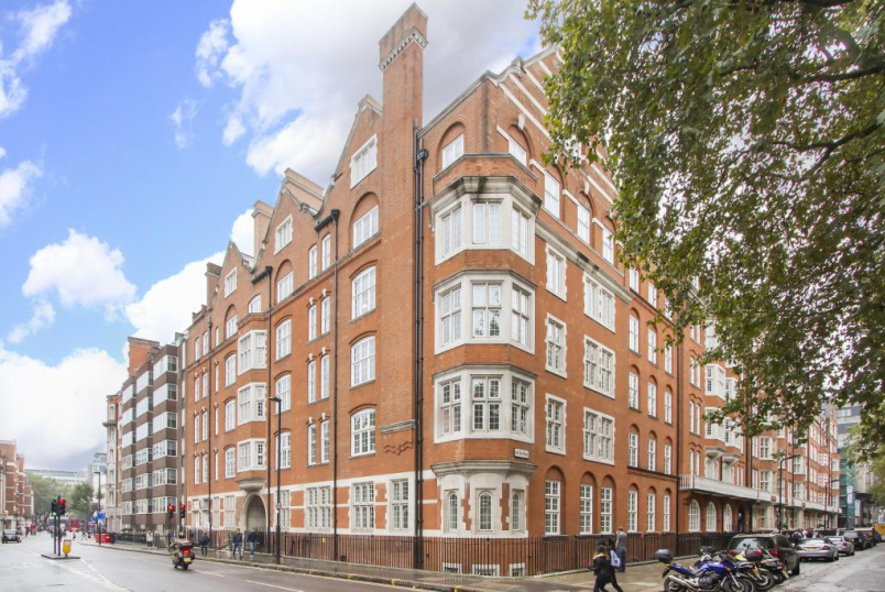 Flat/apartment to rent in West End - Bedford Court Mansions, Bedford Avenue, Bloomsbury, WC1B