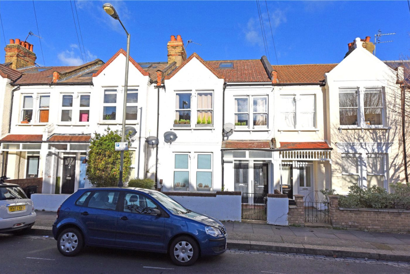 Flat/apartment to rent in Putney - Brookwood Road, Southfields, London, SW18