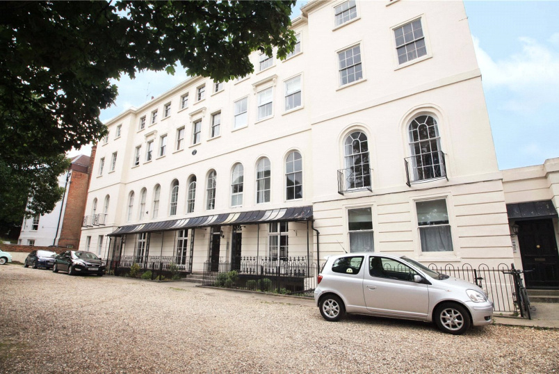 Flat/apartment for sale in Reading - Heritage Court, Castle Hill, Reading, RG1