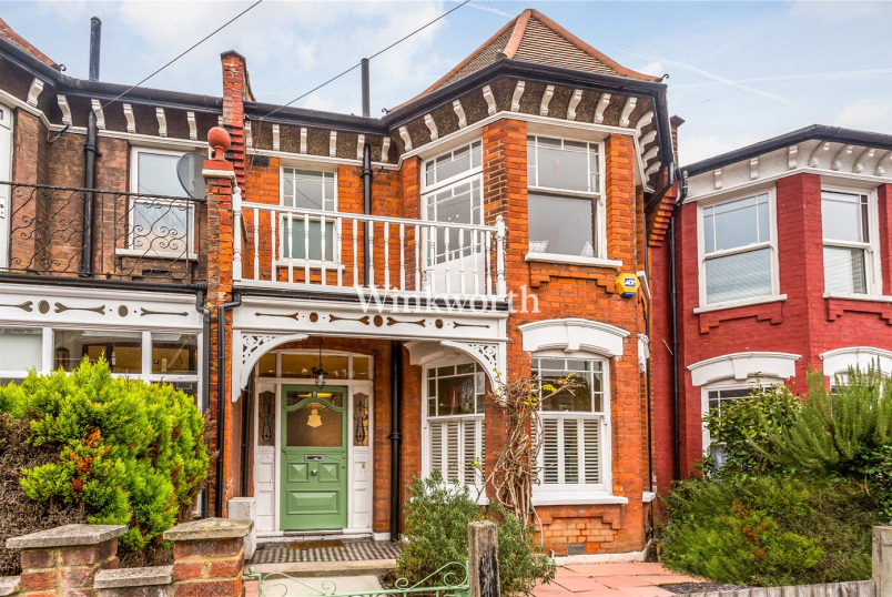House for sale in  - Melbourne Avenue, London, N13