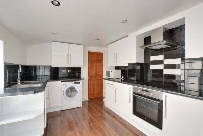 Flat/apartment to rent in Blackheath - Westcombe Hill, London, SE3