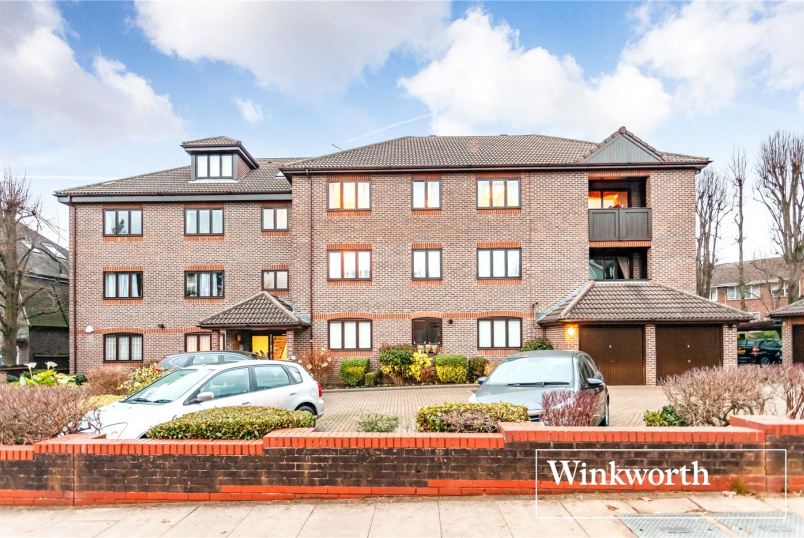 Flat/apartment for sale in Finchley - Elizabethan Court, 110 Hendon Lane, Finchley, N3