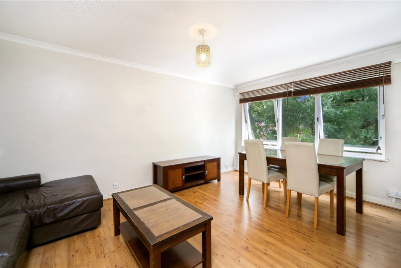 Flat/apartment for sale in Shepherds Bush & Acton - Ollgar Close, London, W12