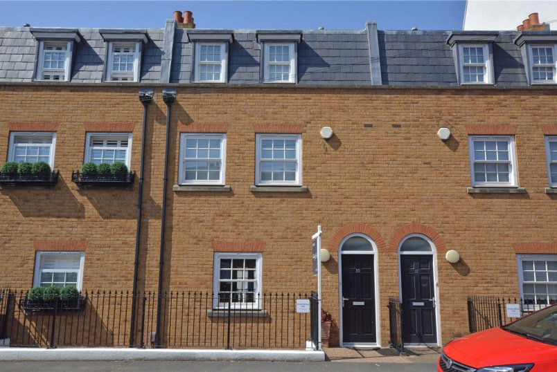 House for sale in Greenwich - Trafalgar Grove, Greenwich, SE10