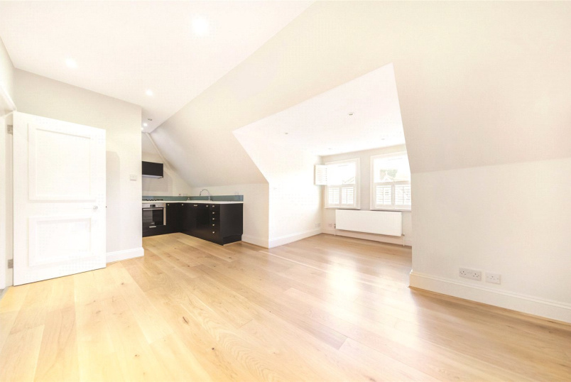 Flat/apartment to rent in Chiswick - Esmond Road, Chiswick, W4