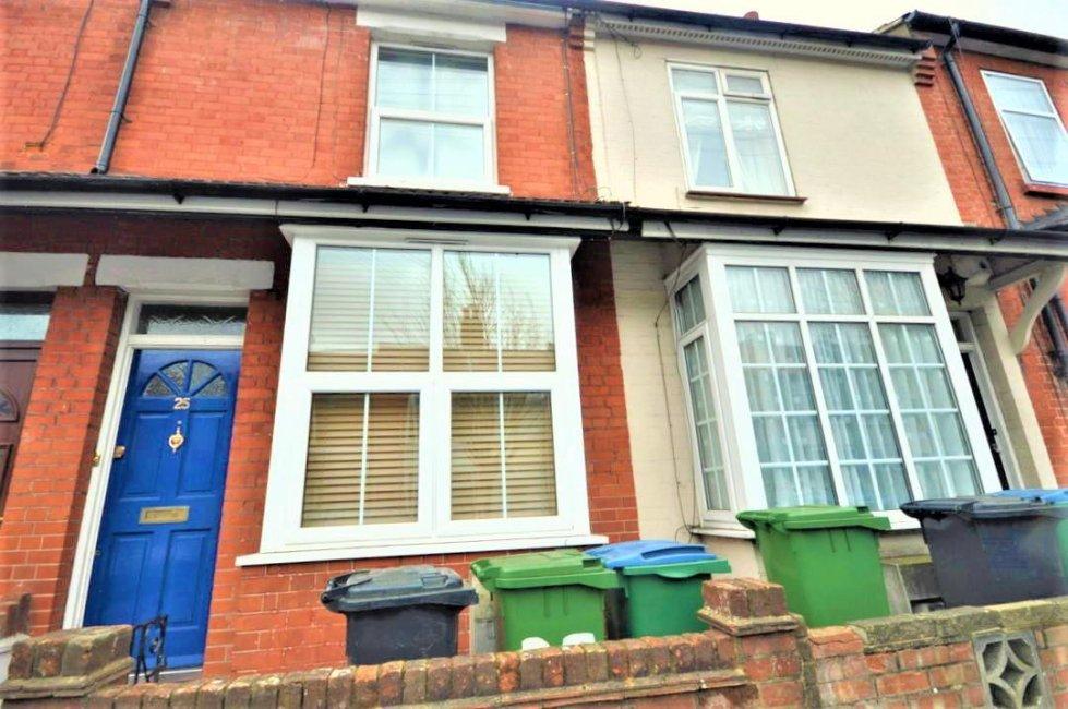 2 bedroom property to let in Ridge Street, Watford - £1250 pcm
