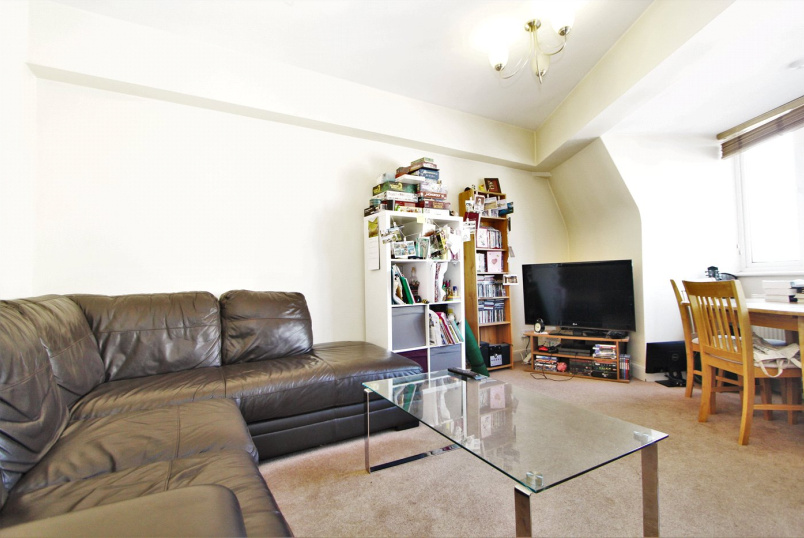 Flat/apartment to rent in Ealing & Acton - Grosvenor Parade, Ealing, W5