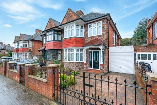 House for sale in Kensal Rise & Queen's Park - Longstone Avenue, London, NW10