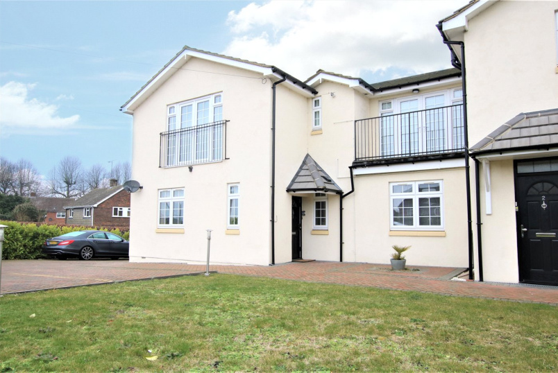 Flat/apartment for sale in Reading - Ragan Court, 48 Wensley Road, Reading, RG1