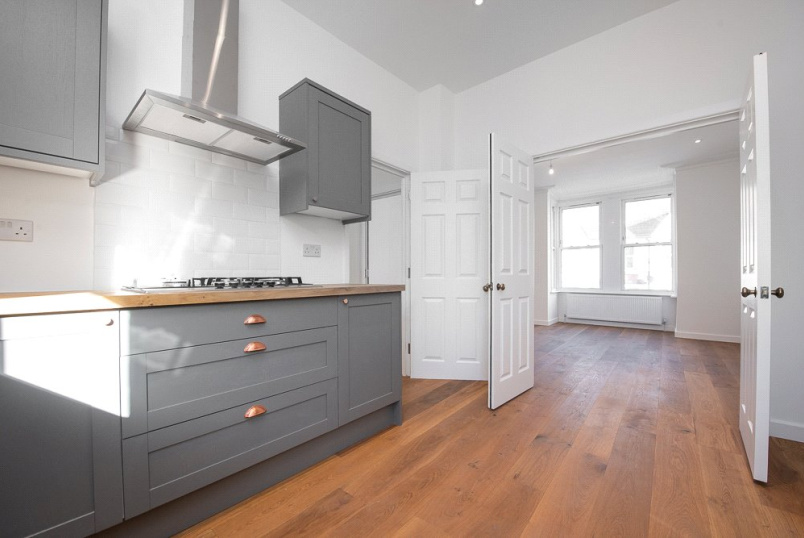 Flat/apartment to rent in Kensal Rise & Queen's Park - Minet Avenue, London, NW10