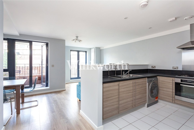 Flat/apartment to rent in Harringay - Leverton Close, London, N22