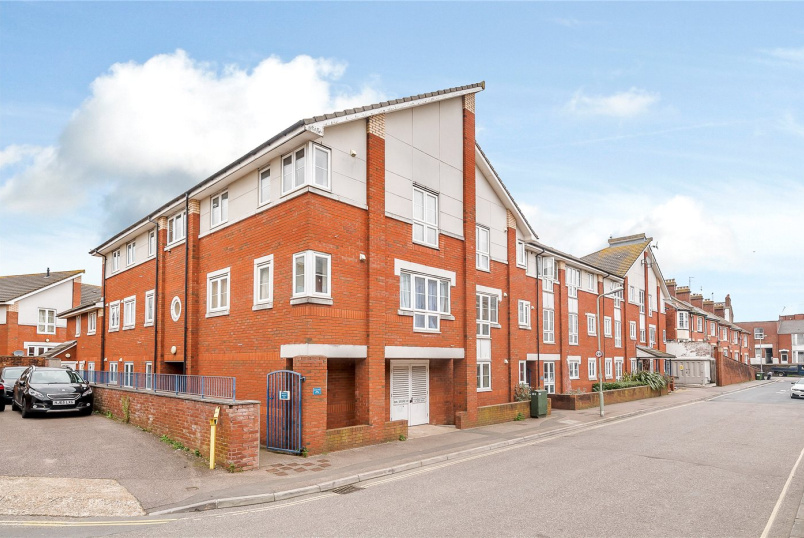 Flat/apartment to rent in Exeter - Eveleighs Court, Acland Road, Exeter, EX4