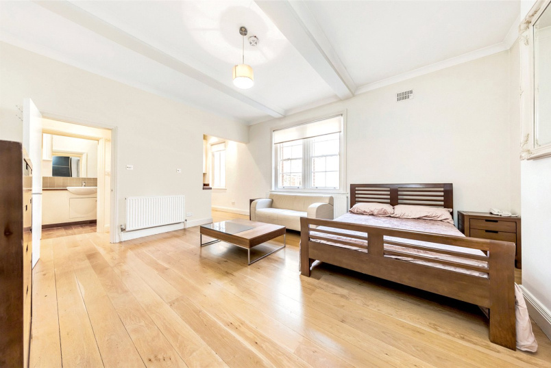 Flat/apartment to rent in Chiswick - Bath Road, London, W4