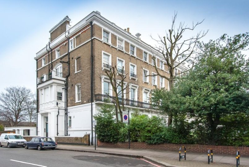 Flat to rent in Clapham - CLAPHAM COMMON NORTH SIDE, SW4