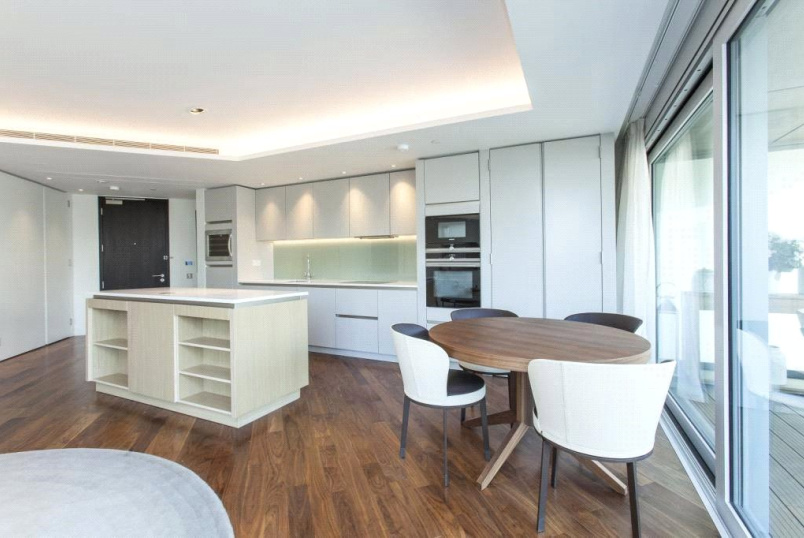 Flat/apartment for sale in Clerkenwell & City - Canaletto Tower, 257 City Road, London, EC1V