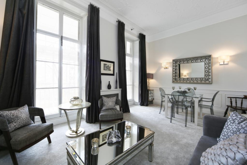 Flat/apartment to rent in Knightsbridge & Chelsea - Cadogan Place, London, SW1X