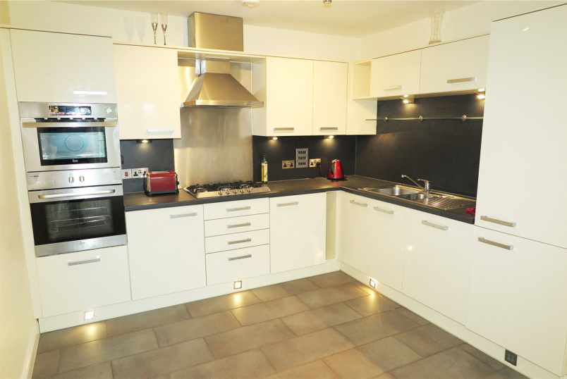 Flat/apartment for sale in Farnham - Shortheath Road, Farnham, Surrey, GU9