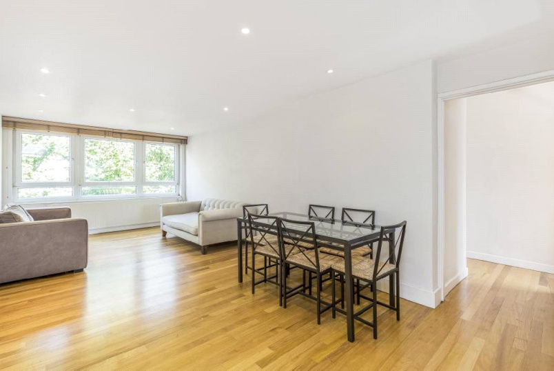 Flat/apartment to rent in Putney - Fairlawns, Putney Hill, London, SW15