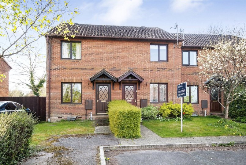 House for sale in Winchester - Ivy Close, Winchester, Hampshire, SO22