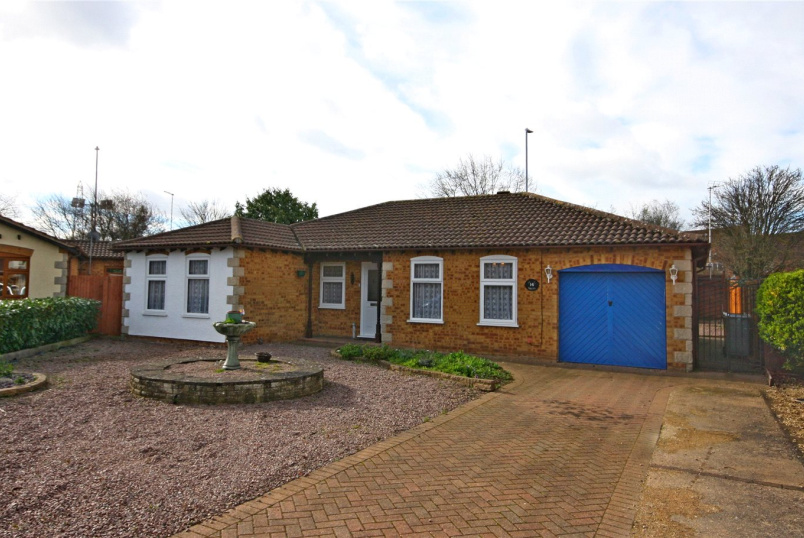 Bungalow for sale in Bourne - Dorchester Avenue, Bourne, PE10