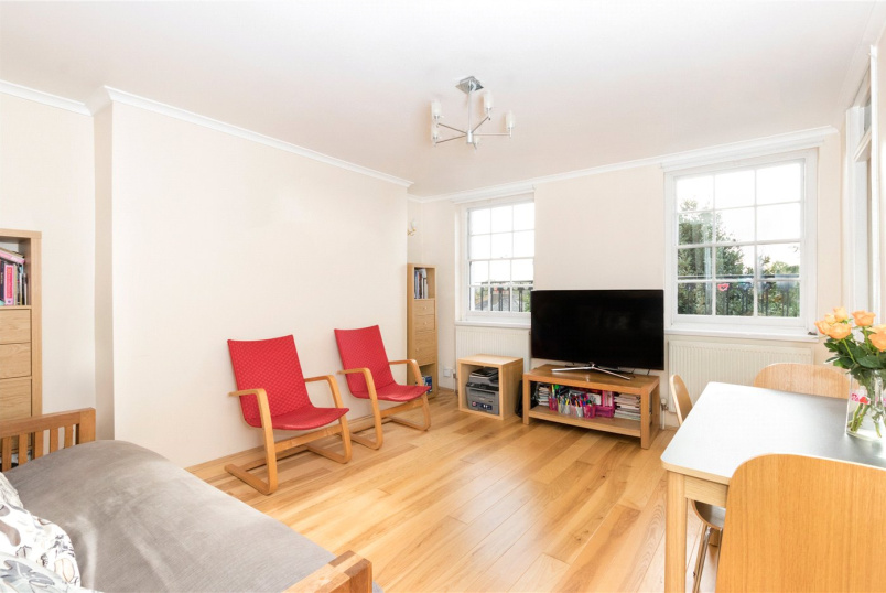 Flat/apartment for sale in New Cross - Christopher Court, New Cross Road, London, SE14