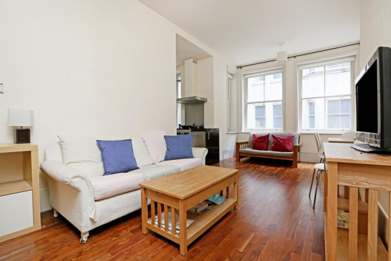 Flat/apartment to rent in West End - Bedford Court Mansions, Bloomsbury, WC1B