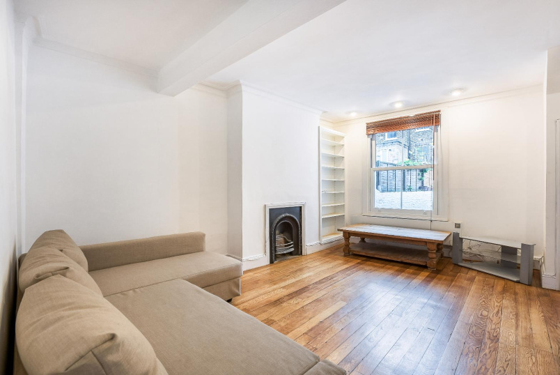 Apartment to rent in Battersea - QUEENSTOWN ROAD, SW8