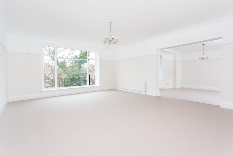 Flat to rent in St Johns Wood - REDINGTON ROAD, NW3 7RP
