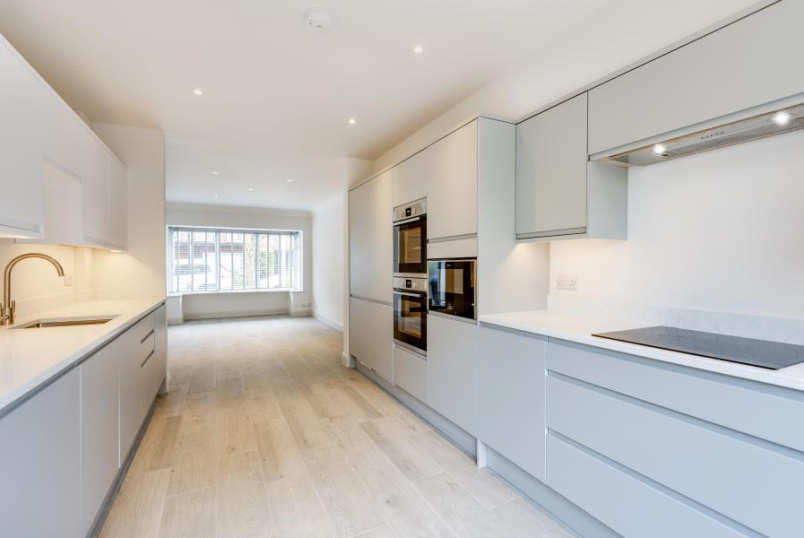 House - terraced to rent in St Johns Wood - MIDDLEFIELD, NW8 9ND