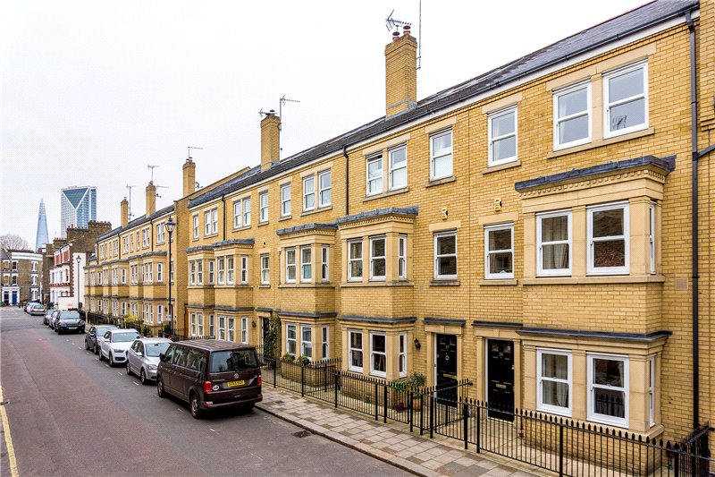 House for sale in Kennington - Sullivan Road, Kennington, SE11