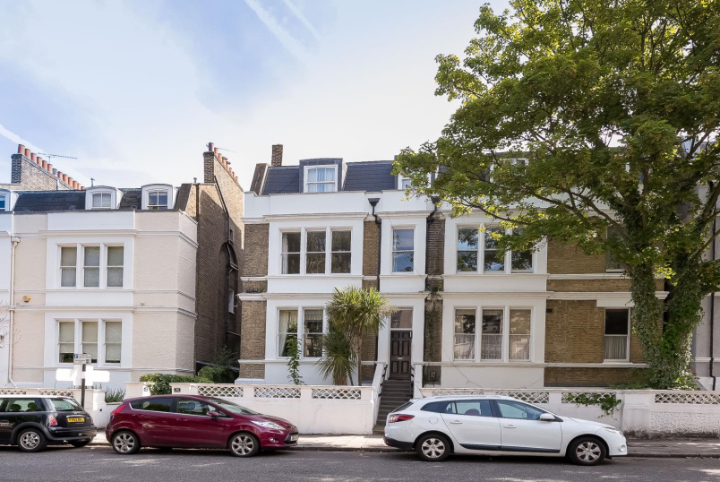 Flat for sale in Clapham - VICTORIA RISE, SW4